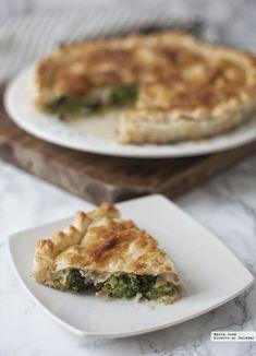 Tarta salada de brócoli y gorgonzola. Receta para una cena especial Strudel, Canapes, Spanakopita, Empanadas, Apple Pie, Quiche, Food And Drink, Cooking, Breakfast
