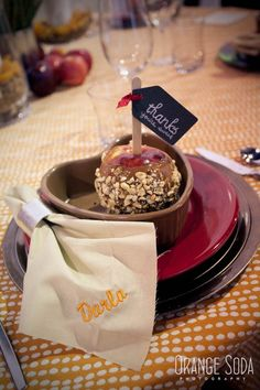 caramel apple favor, apple wedding favor, apple wedding ideas, Fall wedding ideas, embroidered napkins, orange and red wedding