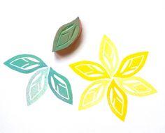 Floral Blütenblatt oder Blatt Hand von GreenGardenStamps auf Etsy