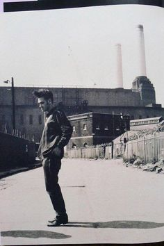 """All over Battersea..."", London ('Your Arsenal' era). #Morrissey"