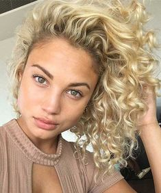 23 soft Perm Short Hairstyles 40 Styles To Choose From When Perming Your Hair Hair – Alexandra Patron - Perm Hair Styles Permanent Curls, Medium Hair Styles, Curly Hair Styles, Short Hair Perm Styles, Short Curly Hair, Medium Curly, Permed Hair Medium Length, Loose Perm Short Hair, Perm For Thin Hair