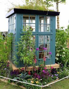 Greenhouse of four windows / Garden time Diy Greenhouse Plans, Window Greenhouse, Backyard Greenhouse, Pergola Patio, Diy Patio, Mini Greenhouse, Small Pergola, Modern Pergola, Patio Ideas