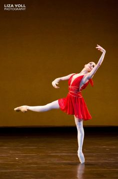 Tamara Rojo in the 'Diana and Acteon' pas de deux. Photo by Liza Voll Photography.