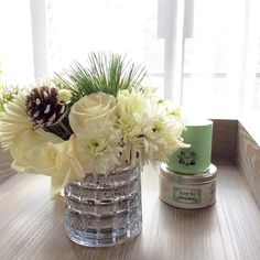 These #diy fresh flowers and my favorite tea; genmaicha #KusmiteaParis #MariageFrères