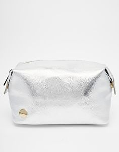 Mi Pac Metallic Silver Make Up Bag - Here's the perfect make up bag for you, to put all your lush make up in.