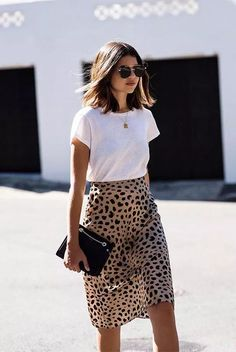 Cool Ways To Style A Leopard Satin Skirt: wearing a white t-shirt, a leopard skirt, nude sandals, a black shoulder bag and black aviator sunglasses. outfits spring Cool Ways To Style A Leopard Satin Skirt Spring Outfit Women, Simple Summer Outfits, Cute Casual Outfits, Spring Outfits, Autumn Outfits, Style Summer, Skirts For Summer, Summer Skirt Outfits, Casual Church Outfits