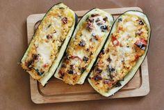 Fotorecept: Cuketové lode s ryžovou plnkou Zucchini, Vegetables, Food, Essen, Vegetable Recipes, Meals, Yemek, Veggies, Eten
