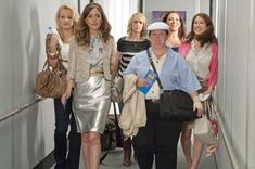 So indictive of their personalities Bridesmaids 2011, Bridesmaids Movie, Ellie Kemper, Funny Movies, Good Movies, Girly Movies, Comedy Movies, Bachelorette Party Planning, Rose Byrne