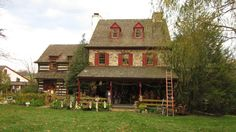 Posts about Windle's Log Cabin Antiques written by Kris Casucci Log Cabin Exterior, Stone Exterior Houses, Old Stone Houses, Colonial House Exteriors, Cabins And Cottages, Log Cabins, Log Cabin Living, Farmhouse Architecture, Cottage Homes