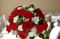 Czerwone dekoracje kwiatowe wesela Jemielnica opolskie Red And White Weddings, Wedding Bouquets, Floral Wreath, Wreaths, Table Decorations, Creative, Beautiful, Home Decor, Bridal Bouquet Red