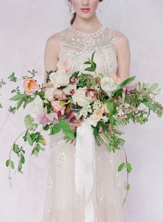 The kind of wild florals we love at Fearless Authentic. Have you seen our new online wedding planning course for fearless brides-to-be? In WEDPLANOLOGY We teach everything you need to know about planning a stylish and authentic wedding. Free Wedding, Budget Wedding, Perfect Wedding, Wedding Planning, Wedding Advice, Wedding Pics, Wedding Day, Wedding Ceremony, Wedding Themes