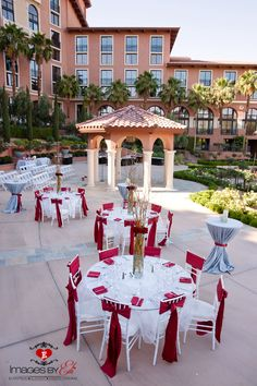 Andalusian Gardens Outdoor Reception at Westin Lake Las Vegas | Photo: Images by Edi