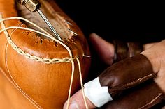 Norweign welt -  Tye shoemaker Handmade Leather Shoes, Leather Craft, Goodyear Shoes, Me Too Shoes, Men's Shoes, Leather Working Patterns, Shoe Crafts, Fashion Shoes, Mens Fashion
