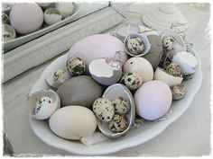 I like the mix of whole eggs, mini eggs and cracked eggs