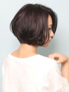 oki_w_1523_1 Short Bob Hairstyles, Cool Hairstyles, Medium Hair Styles, Curly Hair Styles, Cabello Hair, Shot Hair Styles, How To Curl Short Hair, Asian Hair, Short Hair Cuts For Women