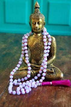 Lace bleu agate japa mala pour soulager le stress, calme et de paix. Agate bleue de lacet est un calmant, refroidissement, apaisant Pierre,