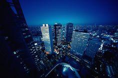 https://flic.kr/p/PnZ291   Day 363/366 : Shinjuku Skyscrapers with Tokyo Skytree at Dusk   都庁の展望台は明日からお休みになるはずなので、年内最終日には何となく来るようにしている。久しぶりの都庁だった。  Last three days to GO!  December 28, 2016 Camera: Sony A7II Lens: Voigtlander 10mm F5.6  #366project2016 #366project #365project #shinjuku #tokyo