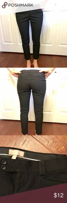 Banana Republic🌻Dress Pants - Ankle Cut Very cute dress pants, ankle cut. Great for wearing with heels or flats, SUPER flattering. Great for summer! Banana Republic Pants Ankle & Cropped