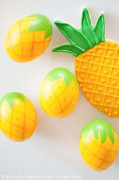 Pin for Later: 25 Egg-cellent Easter Egg Craft Ideas For Kiddos Pineapple Easter Eggs Whether they're Spongebob fans, or just love the fruit, these pineapple eggs will make for an adorable Easter decoration. Hoppy Easter, Easter Eggs, Easter Table, Brunch Party Decorations, Easter Crafts For Kids, Bunny Crafts, Easter Egg Designs, Easter Celebration, Egg Decorating