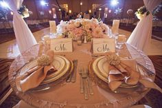 Another cute sweetheart table.