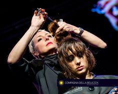 Congreso Compagnia della Bellezza descubriendo la nueva colección #ItalianHair Primavera/Verano #SS2017. Pronto en todos los salones!!! #hairfashionweek