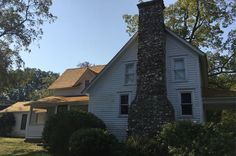 BBC: Fans of the famous books about the American farming family explain their continued appeal. Childhood Stories, Famous Books, Children's Literature, Great Books, Farmhouse, Entertaining, Fan, House Styles, Places