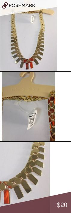 """Urban Outfitters Metallic Gold Link Necklace NWT This is a lovely link necklace. It is solid gold color, the red orange is just a reflection. It is a choker necklace with a lobster claw clasp. Metallic gold, you just wipe it clean. It is 13"""" long. Urban Outfitters Jewelry Necklaces"""