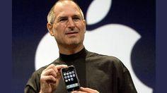 Para la presentación del primer iPhone, el producto era aún muy inestable. Con solo 128 megabytes de RAM y aplicaciones aún en estado muy crudo, el teléfono colapsaba con frecuencia durante los ensayos. Era imposible que durante los 90 minutos del debut oficial todo saliera perfecto. ¿La solución? Había una serie de teléfonos idénticos en el escenario para que Steve Jobs los reemplazara cuando fallaban.