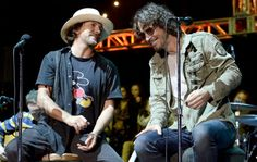 Watch Eddie Vedder pay tribute to Chris Cornell on return to live stage - NME