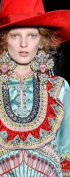 Gucci Resort 2017 Women's Fashion (details) RTW | Purely Inspiration