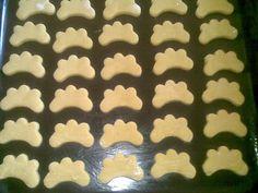 Zázvorníky (fotorecept) - recept | Varecha.sk Desert Recipes, Cookie Cutters, Cookies, Baking, Crack Crackers, Biscuits, Bakken, Dessert Recipes, Cookie Recipes