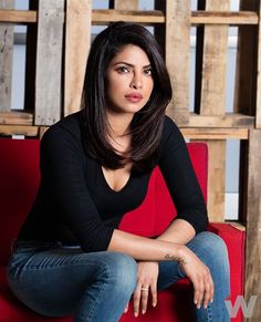 Browse Priyanka Chopra, The Wrap, May 2016 latest photos. View images and find out more about Priyanka Chopra, The Wrap, May 2016 at Getty Images. Beautiful Bollywood Actress, Beautiful Actresses, Priyanka Chopra Hot, Priyanka Chopra Haircut, Medium Hair Styles, Long Hair Styles, Leila, Corte Y Color, Synthetic Lace Front Wigs