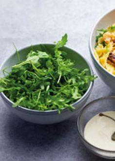 Salada de laços com salmão