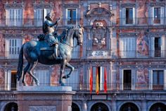Best Jobs for People Who Love to Travel: Spain Mercado Madrid, Granada Andalucia, International Jobs, Foto Madrid, Good Job, Exotic, Spain, Places To Visit, Fair Grounds