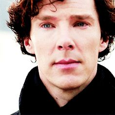 Benedict: just that tiniest, briefest, left side smile. Sherlock Bbc, Benedict Sherlock, Sherlock Holmes John Watson, Sherlock Holmes Benedict Cumberbatch, Sherlock Quotes, Jim Moriarty, Martin Freeman, Benedict And Martin, John Martin