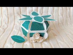 Tonic Studios Designer's Choice 15 - Delicate Daisy Gift Box - YouTube Daisy, Delicate, Box, Studios, How To Make, Designers, Gifts, Youtube, Snare Drum