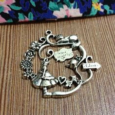 Free Shipping/Atq Silver Charm/Alice in Wonderland Charms/Silver Tone Charm/Alloy Charms/where should I go?