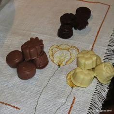 BOMBONS DE CHOCOLATE CASEIRO - http://www.mytaste.pt/r/bombons-de-chocolate-caseiro-41764387.html
