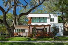 This Reimagined Florida Home Makes Room For Extended Family #dwell #modernarchitecture #moderndesign