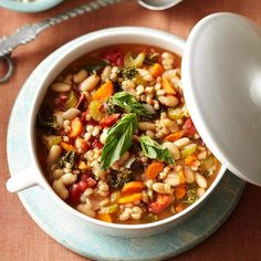 Mediterranean Kale and Cannellini Stew with Farro + more crock pot friendly & low cal dinners