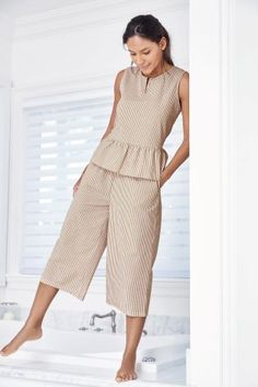 Mixing modern trends with classic styles, culottes are perfect for casual & workwear options. Kids Nightwear, Sleepwear Women, Pajamas Women, Pretty Outfits, Cool Outfits, Casual Outfits, Fashion Outfits, Night Suit For Women, Looks Hippie