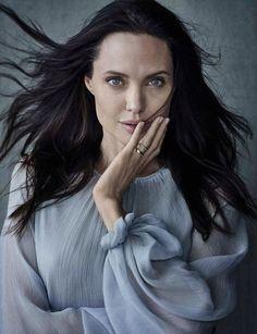 Angelina Jolie photo by Annie Leibovitz for Vanity Fair Italia 2015