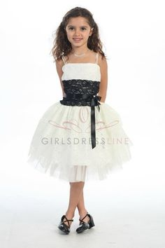 Flower Girl (Girls Dress Line White/Black Lace)