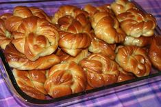 See related links to what you are looking for. Greek Sweets, Greek Desserts, Greek Recipes, Fun Desserts, Dessert Recipes, Greek Easter Bread, Cookie Dough Pie, Cooking Time, Cooking Recipes