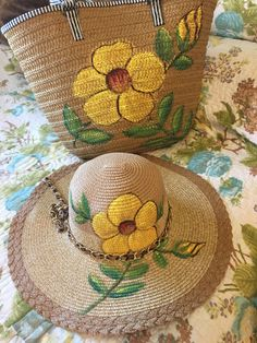 Painted Hats, Painted Clothes, Hand Painted, Sewing Crafts, Sewing Projects, Cartoon Cow, Diy Hat, Antique Christmas, Summer Hats