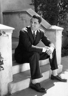 "archiesleach: ""Cary Grant, c. early 1930s """