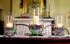 Mardi Gras Food, Mardi Gras Beads, Mardi Gras Party, Mardi Gras Centerpieces, Mardi Gras Decorations, Candle Decorations, Holiday Decorations, Feather Centerpieces, Christmas Tablescapes