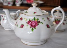 Pink Roses New Bone China Tea Pot