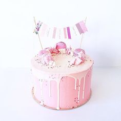 • Pink Cake • Adentro degradé de colores rosas Recuerde que los pedidos y consultas son unicamente a contacto@kekukis.com.ar #pink #cake #kekukis #pastry #drip