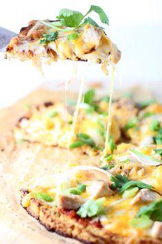 Chicken Enchilada Cauliflower Crust Pizza ~ Low carb, low cal enchilada pizza!!